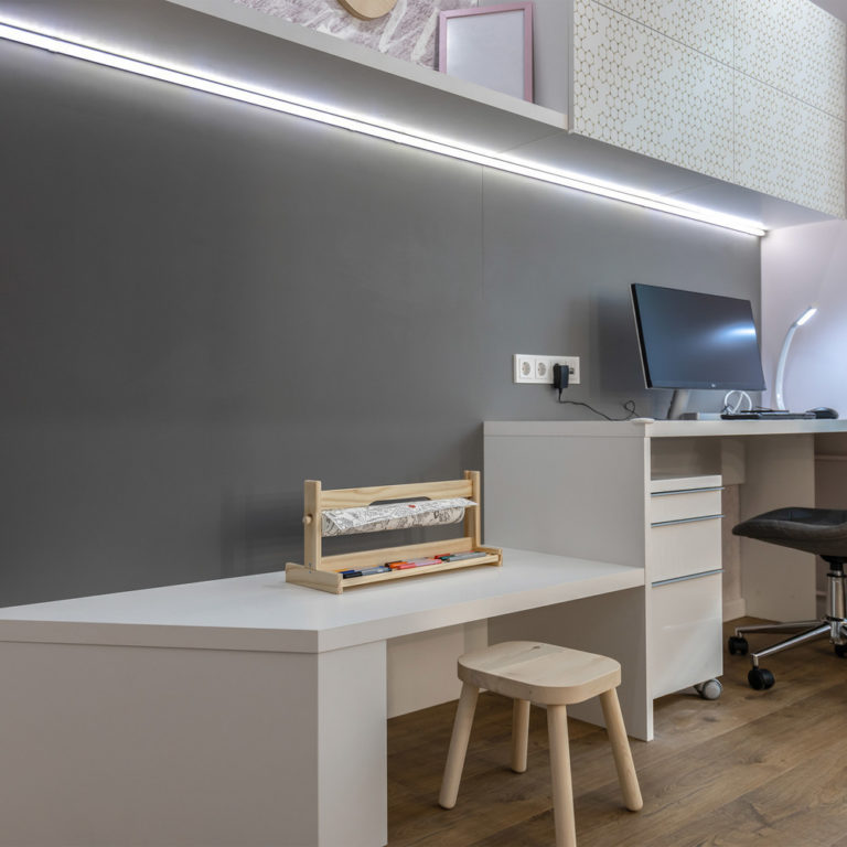 Светодиодная лента 5050/60 LED 14.4W IP65 теплый белый свет 3300К