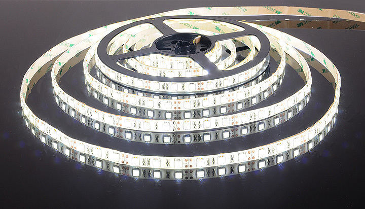 Светодиодная лента 5050/60 LED 14.4W IP65 белый свет 6500К