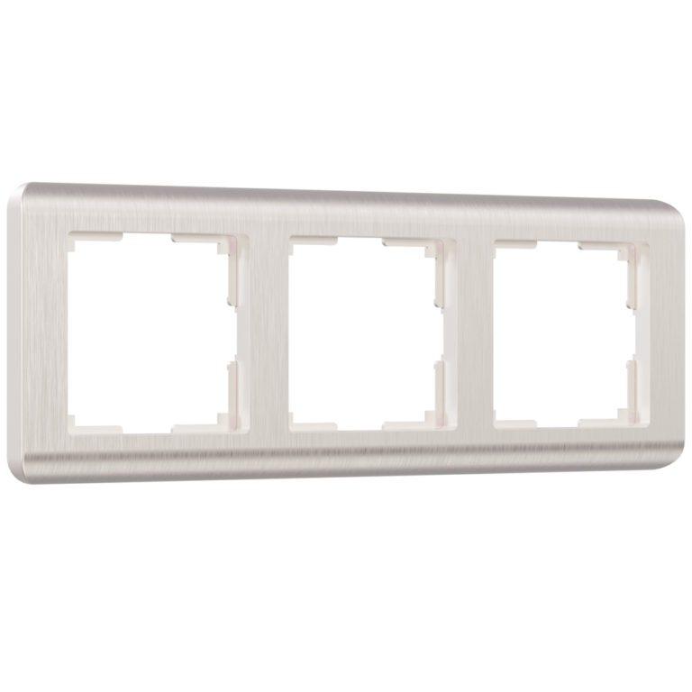 Рамка на 3 поста (перламутровый) W0032113