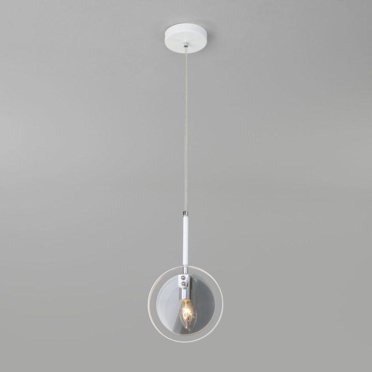 Подвесной светильник со стеклянным плафоном 50121/1 белый