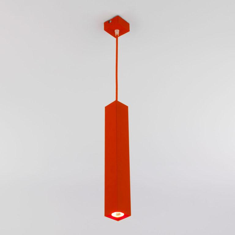 Светодиодный подвесной светильник 50154/1 LED красный