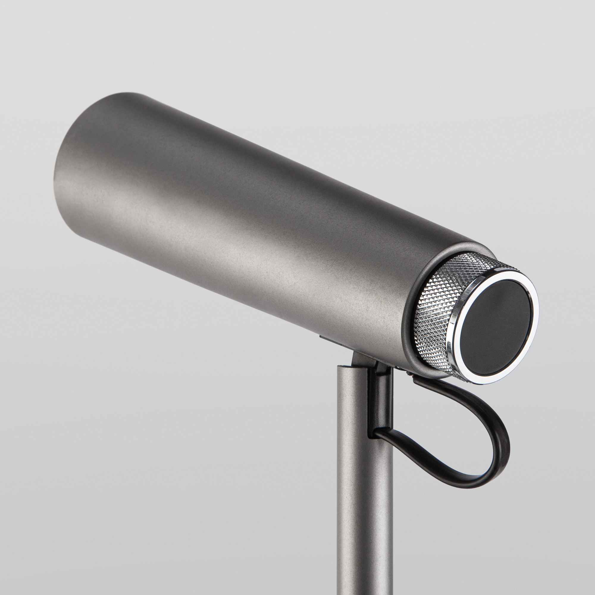 Напольный светодиодный светильник 80430/1 серебро/хром